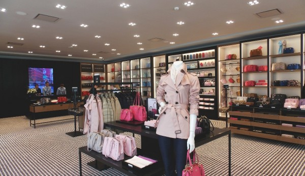 COACH abre loja própria no Freeport Fashion Outlet